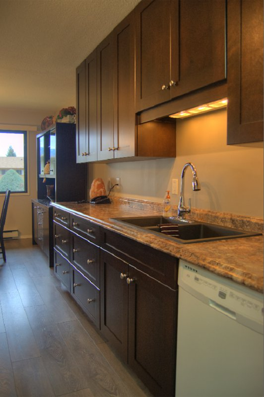 Photo 8: Photos: 204 1830 Atkinson Street in Penticton: Industrial Residential Attached for sale : MLS®# 140704