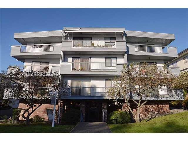 Main Photo: 101 134 W 20TH Street in North Vancouver: Central Lonsdale Condo for sale : MLS®# V1062062