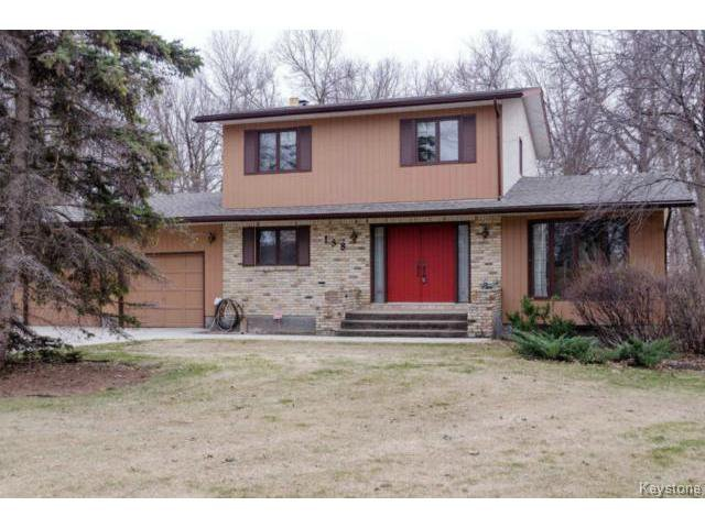Main Photo:  in ESTPAUL: Birdshill Area Residential for sale (North East Winnipeg)  : MLS®# 1409100