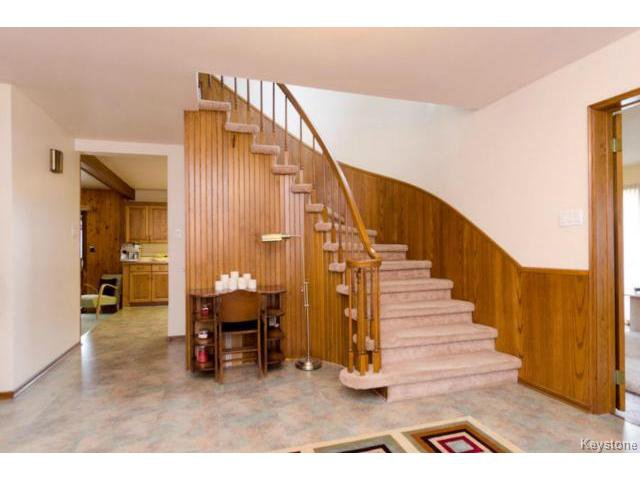 Photo 7: Photos:  in ESTPAUL: Birdshill Area Residential for sale (North East Winnipeg)  : MLS®# 1409100