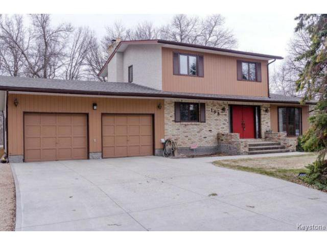 Photo 2: Photos:  in ESTPAUL: Birdshill Area Residential for sale (North East Winnipeg)  : MLS®# 1409100