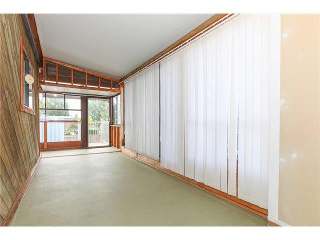 Photo 11: Photos: 1205 BEACH GROVE Road in Tsawwassen: Beach Grove House 1/2 Duplex for sale : MLS®# V1135632