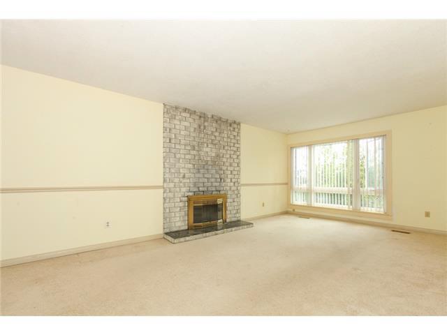 Photo 2: Photos: 1205 BEACH GROVE Road in Tsawwassen: Beach Grove House 1/2 Duplex for sale : MLS®# V1135632