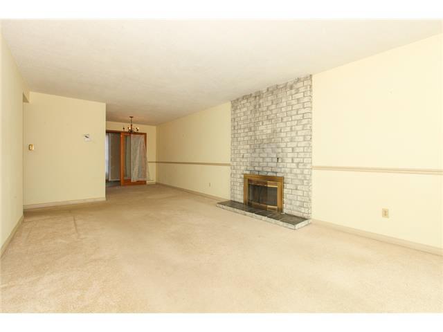 Photo 3: Photos: 1205 BEACH GROVE Road in Tsawwassen: Beach Grove House 1/2 Duplex for sale : MLS®# V1135632