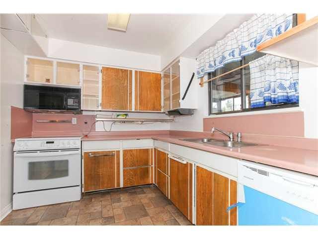 Photo 5: Photos: 1205 BEACH GROVE Road in Tsawwassen: Beach Grove House 1/2 Duplex for sale : MLS®# V1135632