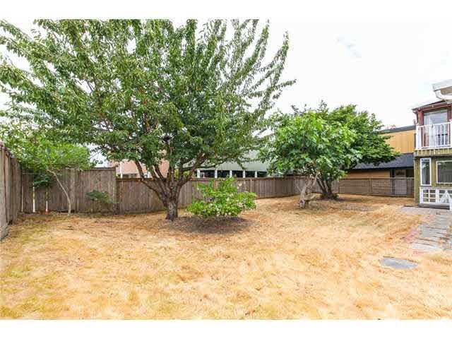 Photo 18: Photos: 1205 BEACH GROVE Road in Tsawwassen: Beach Grove House 1/2 Duplex for sale : MLS®# V1135632