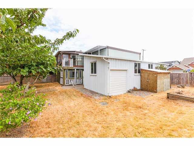 Photo 19: Photos: 1205 BEACH GROVE Road in Tsawwassen: Beach Grove House 1/2 Duplex for sale : MLS®# V1135632