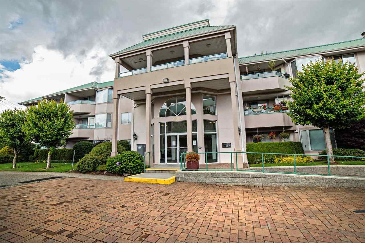 "Main Photo: 205 33165 OLD YALE Road in Abbotsford: Central Abbotsford Condo for sale in ""SOMERSET RIDGE"" : MLS®# R2081971"