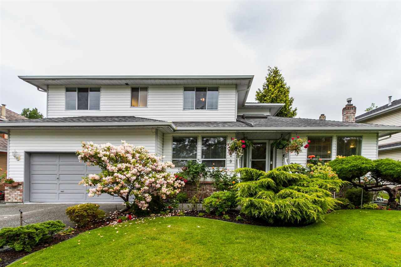 "Main Photo: 16029 78 Avenue in Surrey: Fleetwood Tynehead House for sale in ""Hazelwood Hills"" : MLS®# R2104718"