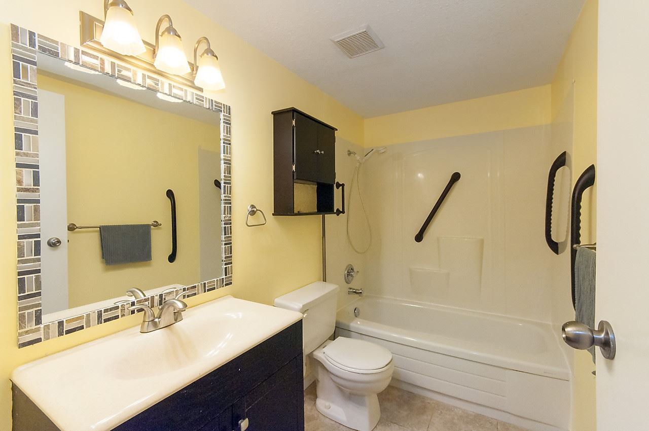 """Photo 13: Photos: 121 4373 HALIFAX Street in Burnaby: Brentwood Park Condo for sale in """"BRENT GARDENS"""" (Burnaby North)  : MLS®# R2128661"""