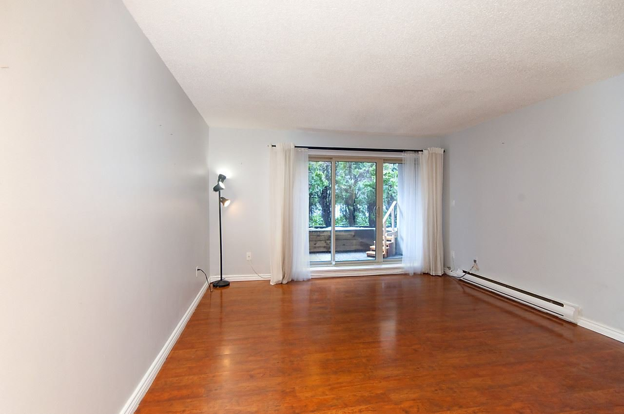 """Photo 7: Photos: 121 4373 HALIFAX Street in Burnaby: Brentwood Park Condo for sale in """"BRENT GARDENS"""" (Burnaby North)  : MLS®# R2128661"""