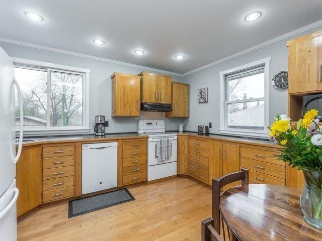 Photo 2: Photos: 49 Firner Street in Clarington: Rural Clarington House (Bungalow) for sale : MLS®# E3758105