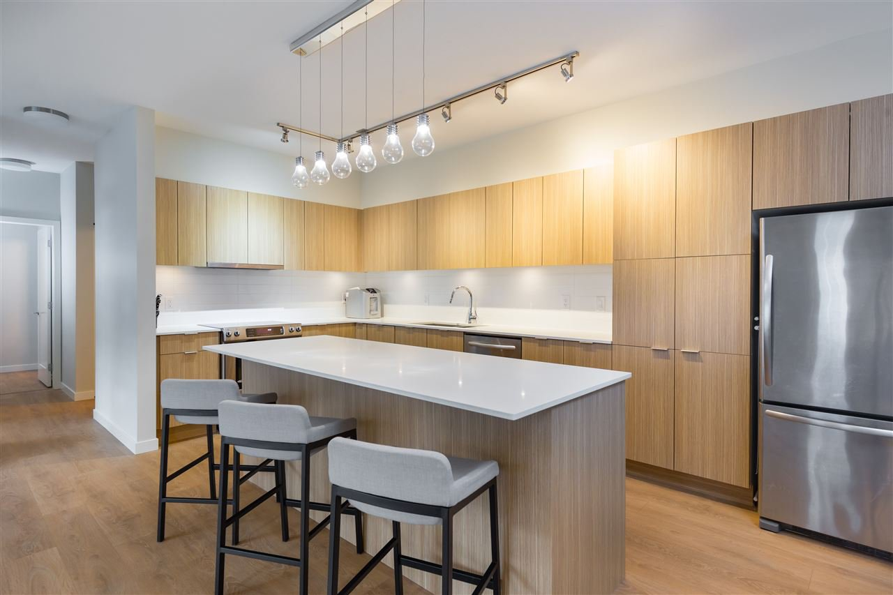 """Main Photo: 57 3728 THURSTON Street in Burnaby: Central Park BS Townhouse for sale in """"Thurston"""" (Burnaby South)  : MLS®# R2159029"""