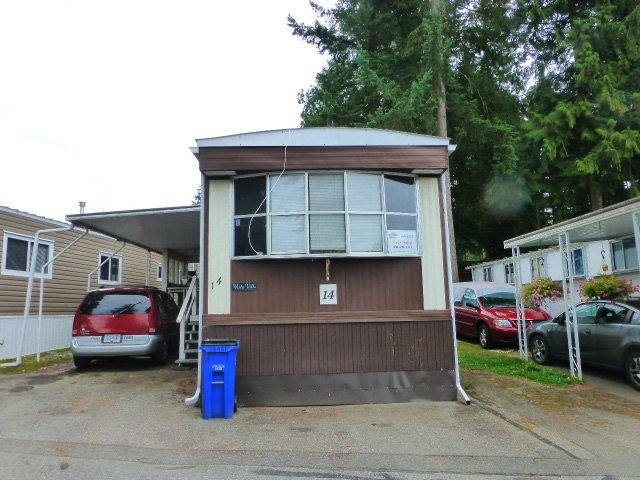 "Main Photo: 14 24330 FRASER Highway in Langley: Otter District Manufactured Home for sale in ""LANGLEY GROVE ESTATES"" : MLS®# R2198499"