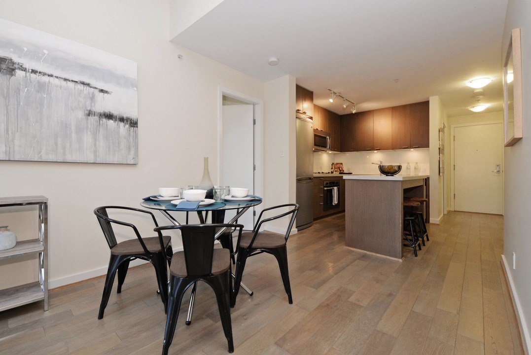 """Photo 7: Photos: 201 531 BEATTY Street in Vancouver: Downtown VW Condo for sale in """"METROLIVING"""" (Vancouver West)  : MLS®# R2205943"""