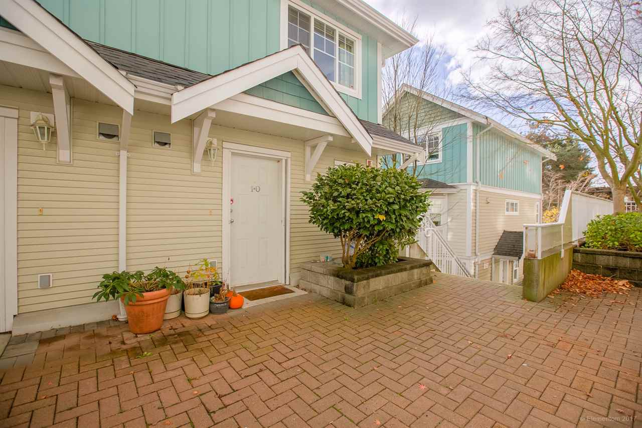 "Main Photo: 10 123 SEVENTH Street in New Westminster: Uptown NW Townhouse for sale in ""ROYAL CITY TERRACE"" : MLS®# R2223388"