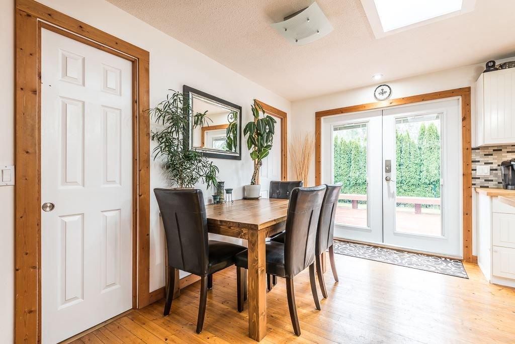 Photo 14: Photos: 1209 JUDD Road in Squamish: Brackendale 1/2 Duplex for sale : MLS®# R2224655
