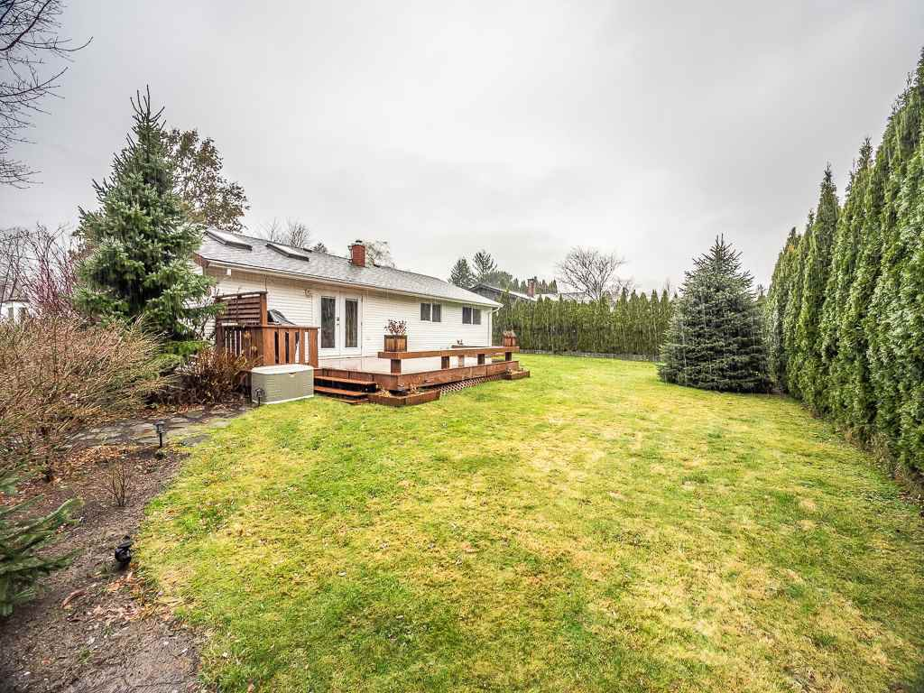Photo 2: Photos: 1209 JUDD Road in Squamish: Brackendale 1/2 Duplex for sale : MLS®# R2224655