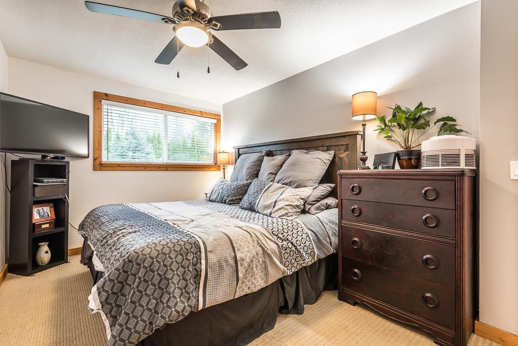 Photo 15: Photos: 1209 JUDD Road in Squamish: Brackendale 1/2 Duplex for sale : MLS®# R2224655