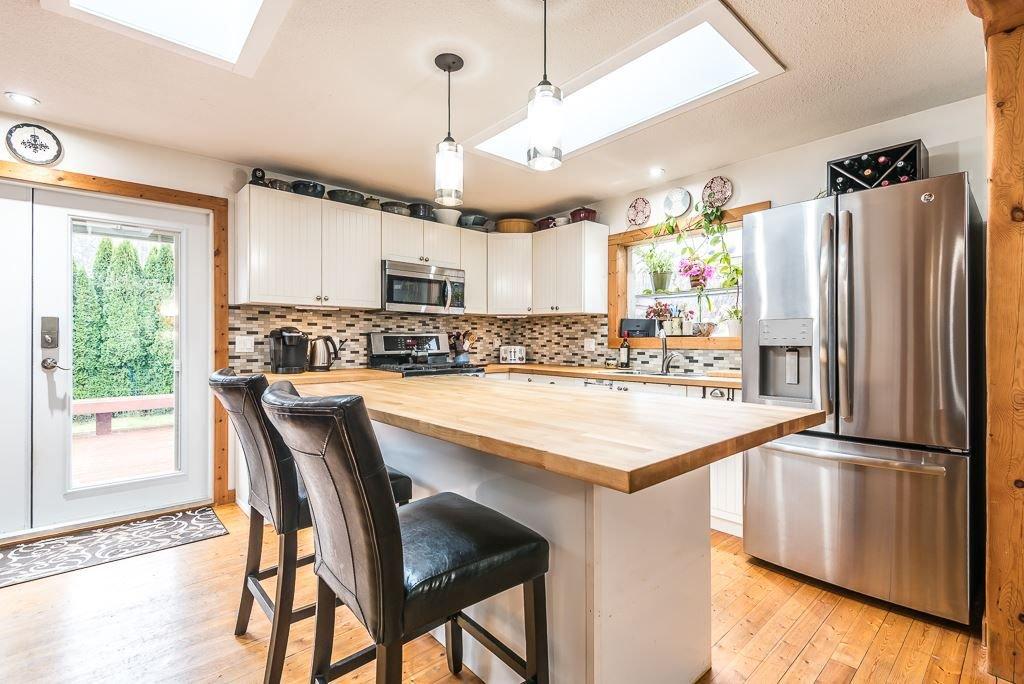 Photo 9: Photos: 1209 JUDD Road in Squamish: Brackendale 1/2 Duplex for sale : MLS®# R2224655