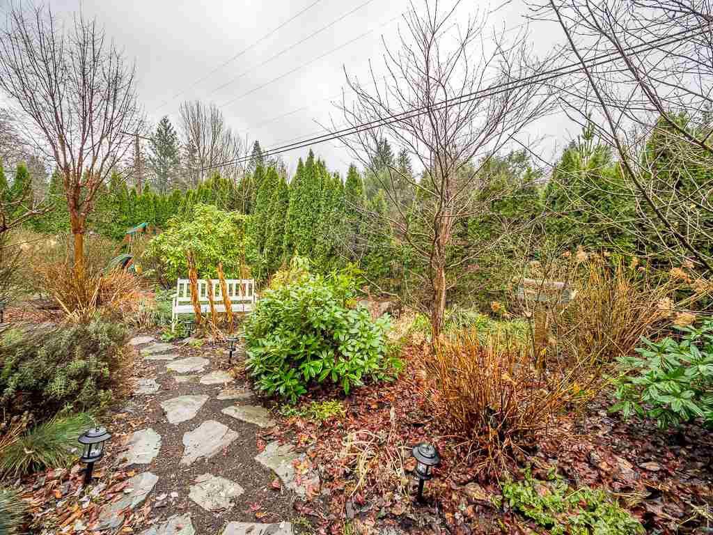 Photo 19: Photos: 1209 JUDD Road in Squamish: Brackendale 1/2 Duplex for sale : MLS®# R2224655