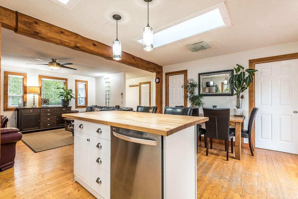 Photo 11: Photos: 1209 JUDD Road in Squamish: Brackendale 1/2 Duplex for sale : MLS®# R2224655
