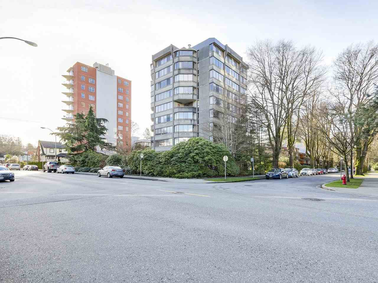 "Main Photo: PH2 1616 W 13TH Avenue in Vancouver: Fairview VW Condo for sale in ""GRANVILLE GARDENS"" (Vancouver West)  : MLS®# R2234321"