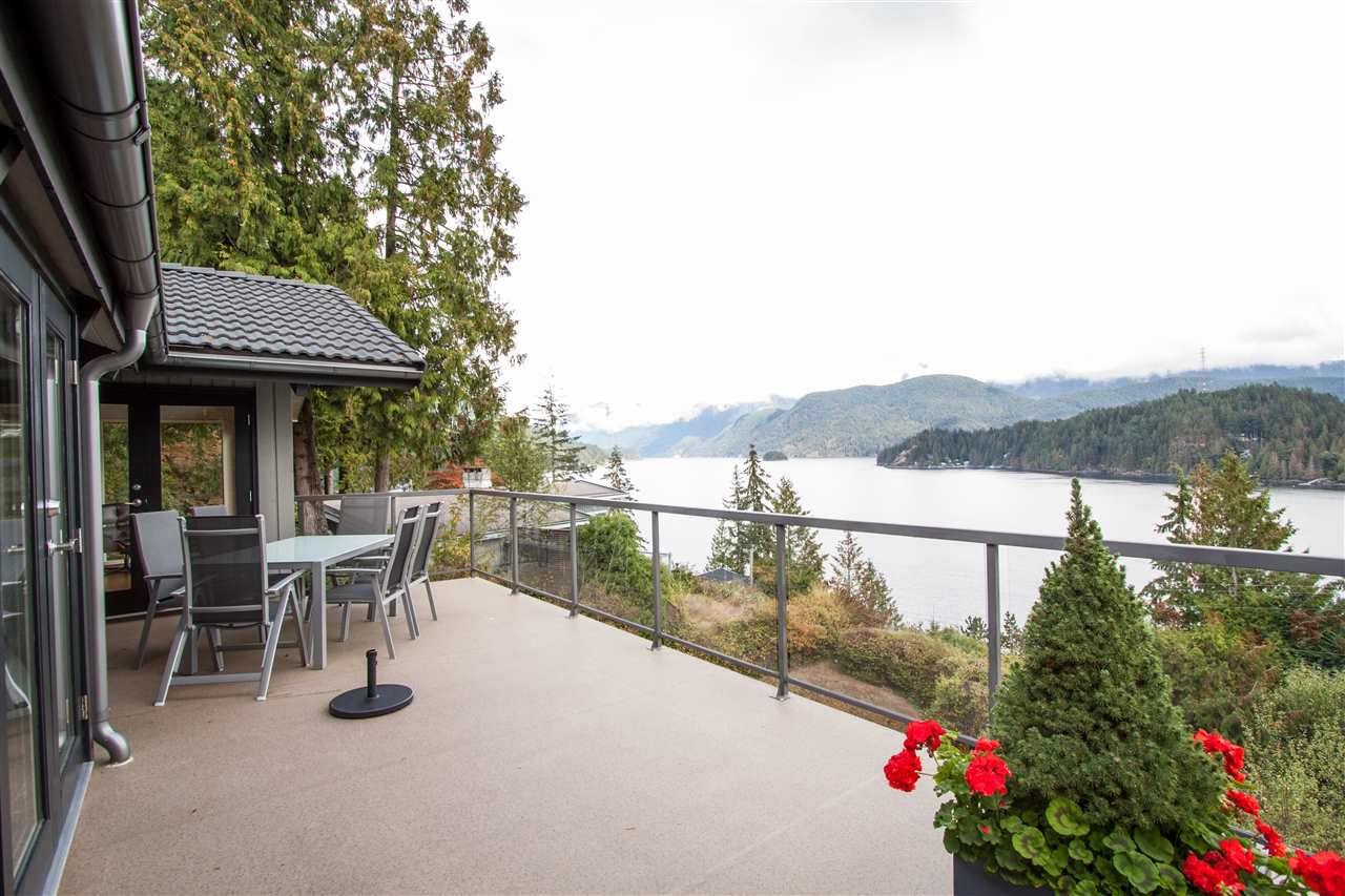 Main Photo: 1784 CARDINAL Crescent in North Vancouver: Deep Cove House for sale : MLS®# R2306039