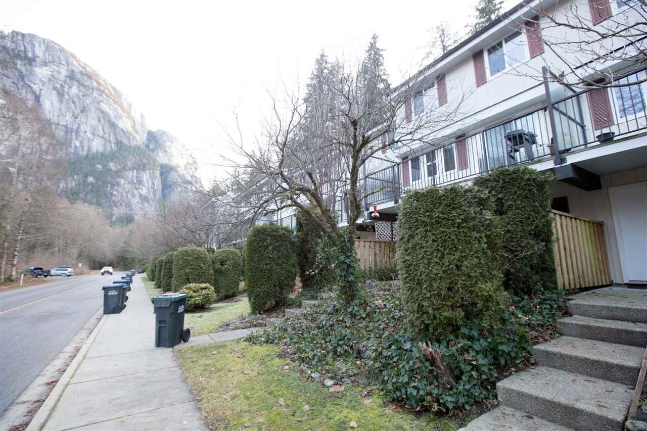 Main Photo: 7 10000 VALLEY Drive in Squamish: Valleycliffe Townhouse for sale : MLS®# R2337710