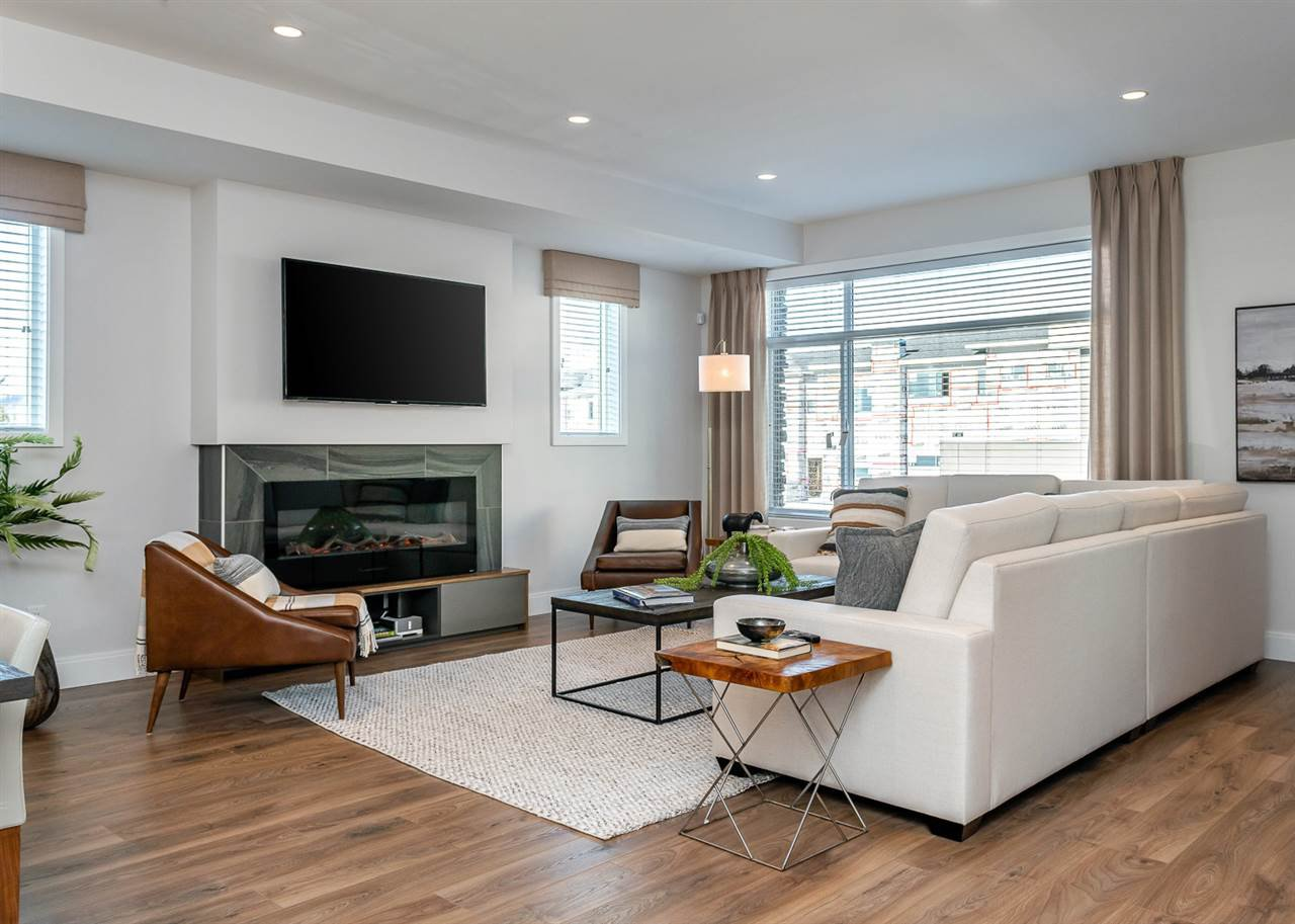 """Photo 5: Photos: 39 33209 CHERRY Avenue in Mission: Mission BC Townhouse for sale in """"58 on CHERRY HILL"""" : MLS®# R2342147"""