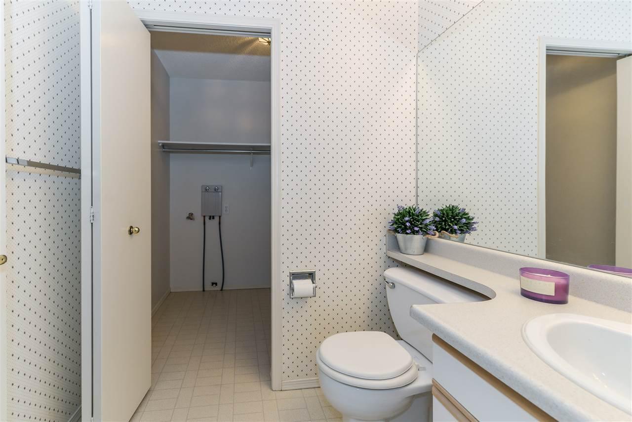 Photo 16: Photos: 3232 38 Avenue in Edmonton: Zone 30 House Half Duplex for sale : MLS®# E4162579