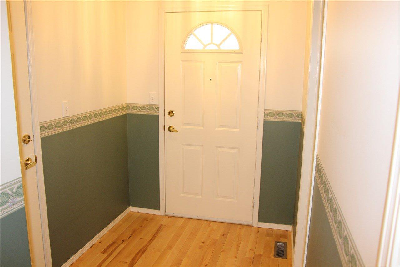 Photo 3: Photos: 3232 38 Avenue in Edmonton: Zone 30 House Half Duplex for sale : MLS®# E4162579