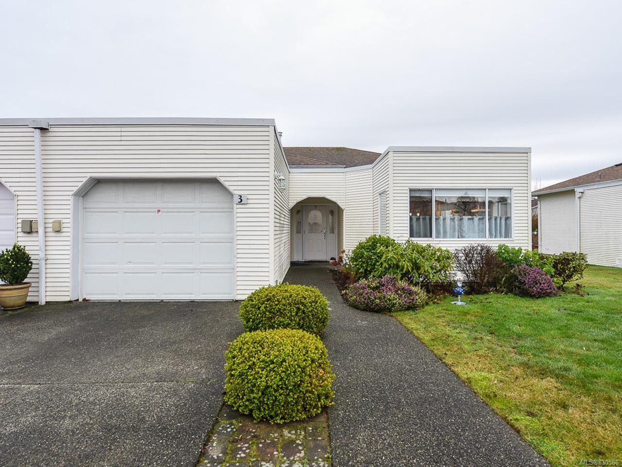 Main Photo: 3 677 Bunting Pl in COMOX: CV Comox (Town of) Row/Townhouse for sale (Comox Valley)  : MLS®# 830586