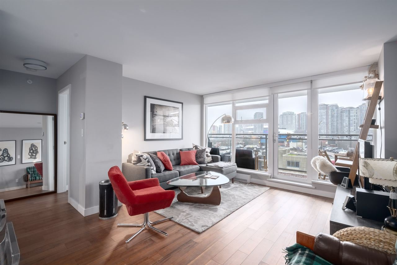Main Photo: 1002 188 KEEFER Street in Vancouver: Downtown VE Condo for sale (Vancouver East)  : MLS®# R2427148