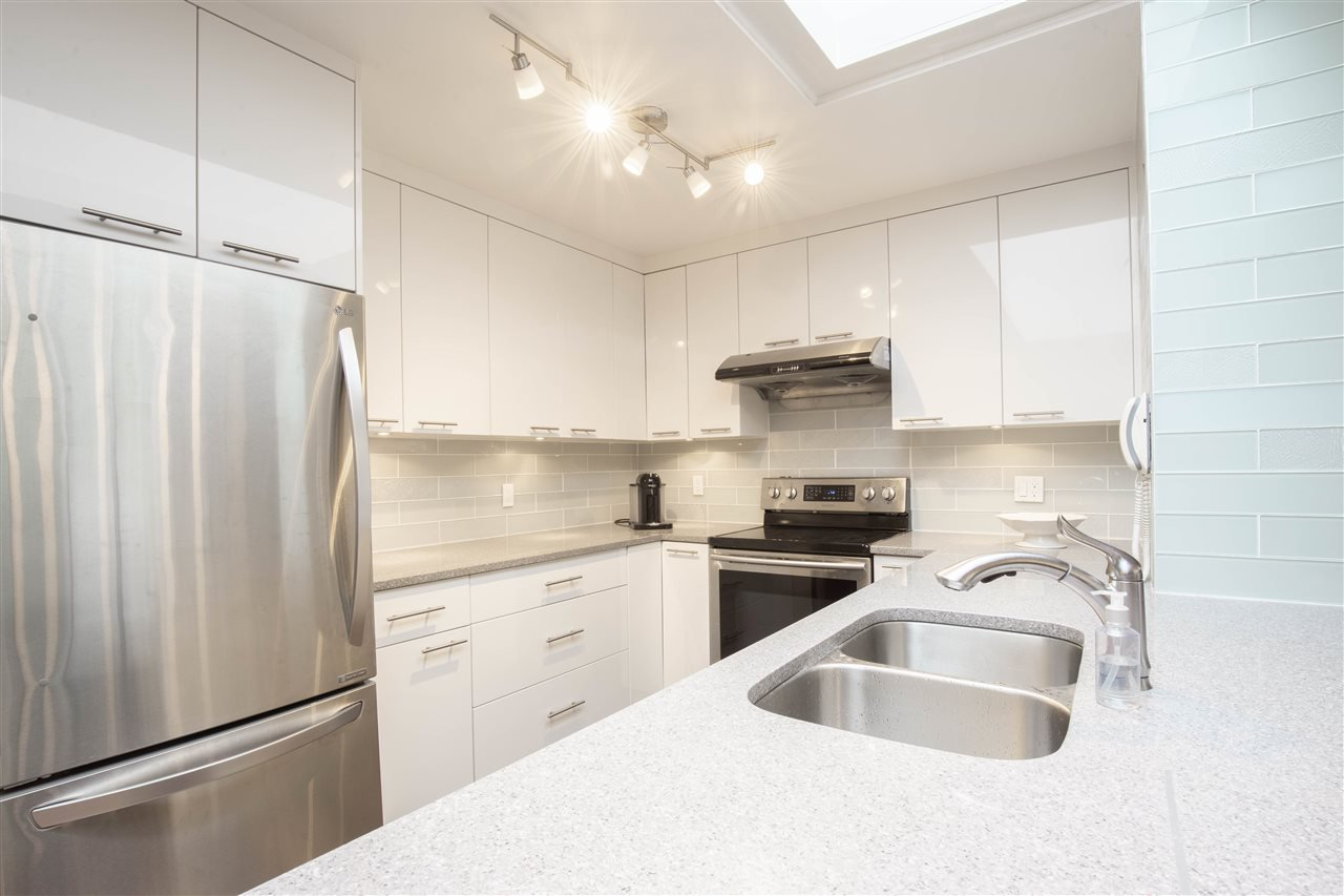 "Photo 4: Photos: 35 3960 CANADA Way in Burnaby: Burnaby Hospital Condo for sale in ""CASCADE VILLAGE"" (Burnaby South)  : MLS®# R2467807"