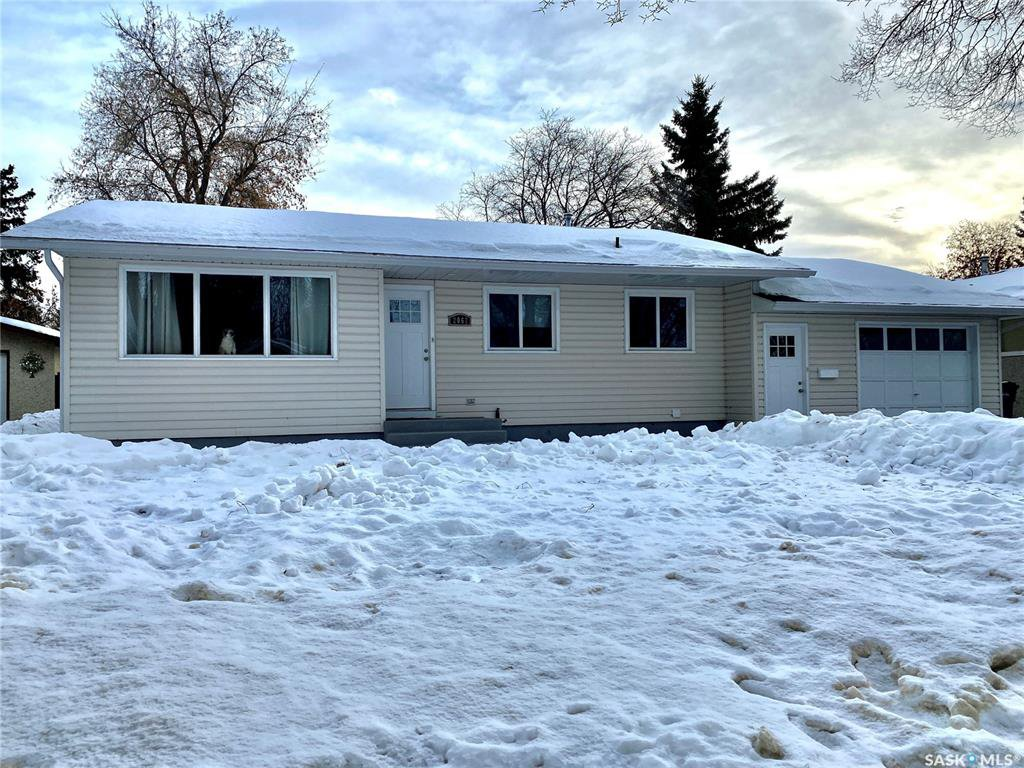 Main Photo: 2062 96th Street in North Battleford: Residential for sale : MLS®# SK838488