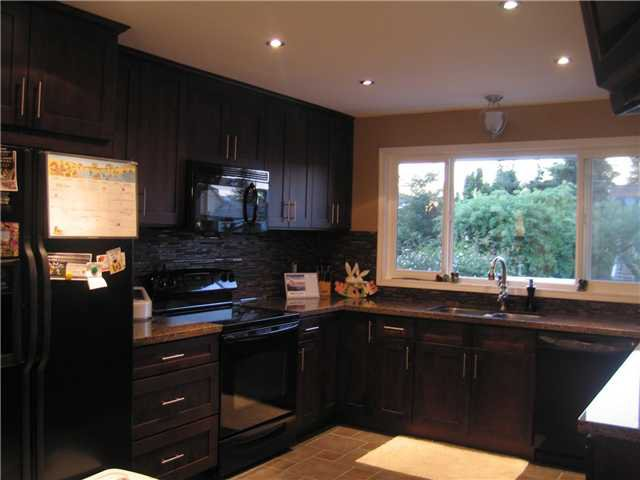 Photo 3: Photos: 6767 ELWELL Street in Burnaby: Highgate House for sale (Burnaby South)  : MLS®# V883550