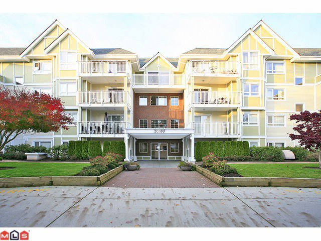 "Main Photo: 210 20189 54TH Avenue in Langley: Langley City Condo for sale in ""Catalina Gardens"" : MLS®# F1127563"