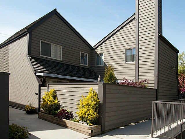"Main Photo: 140 5421 10TH Street in Tsawwassen: Tsawwassen Central Townhouse for sale in ""SUNDIAL"" : MLS®# V1125911"