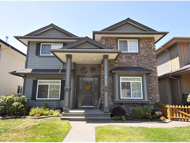 "Main Photo: 10369 ROBERTSON Street in Maple Ridge: Albion House for sale in ""THORNHILL HEIGHTS"" : MLS®# V1135215"