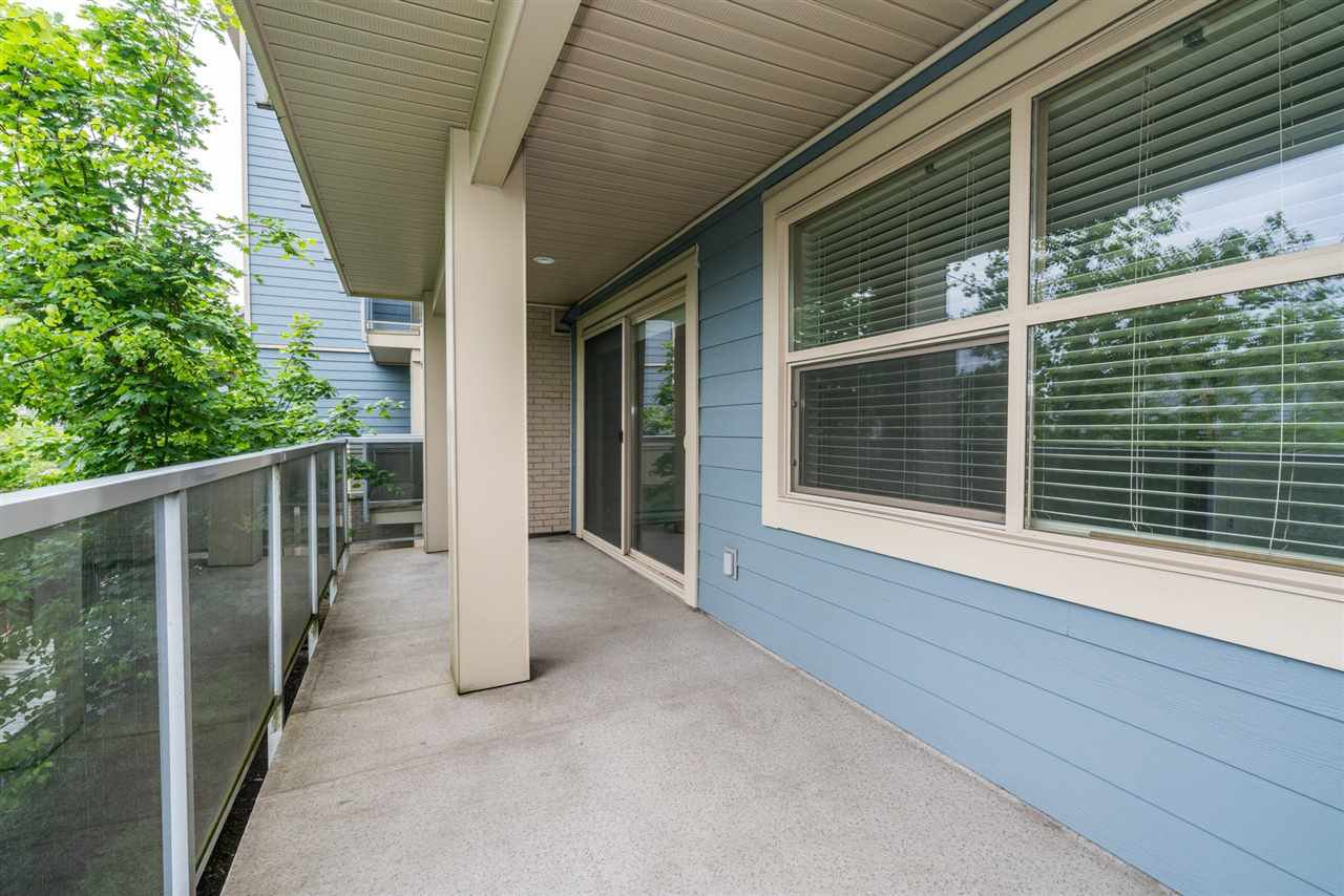 """Photo 16: Photos: 204 19936 56 Avenue in Langley: Langley City Condo for sale in """"BEARING POINTE"""" : MLS®# R2165061"""
