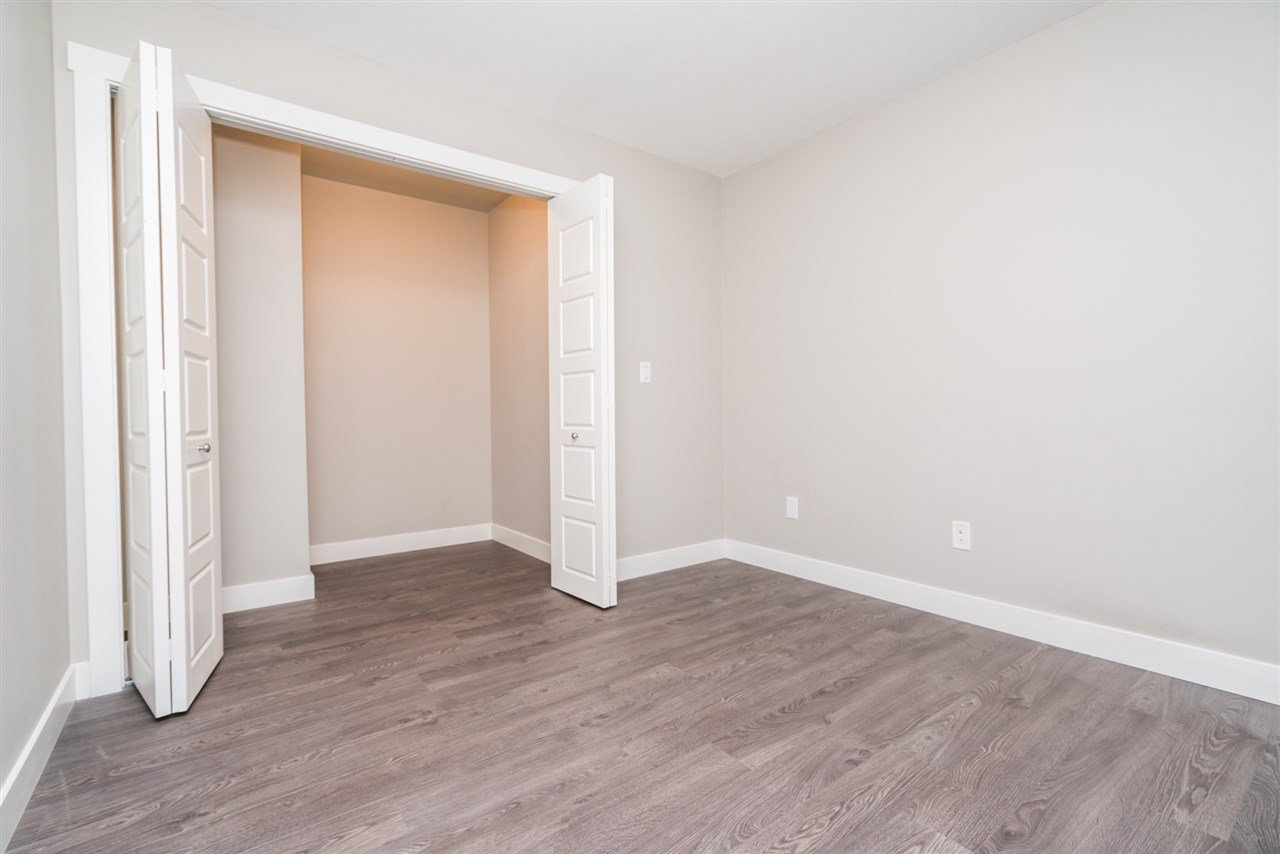 """Photo 13: Photos: 204 19936 56 Avenue in Langley: Langley City Condo for sale in """"BEARING POINTE"""" : MLS®# R2165061"""