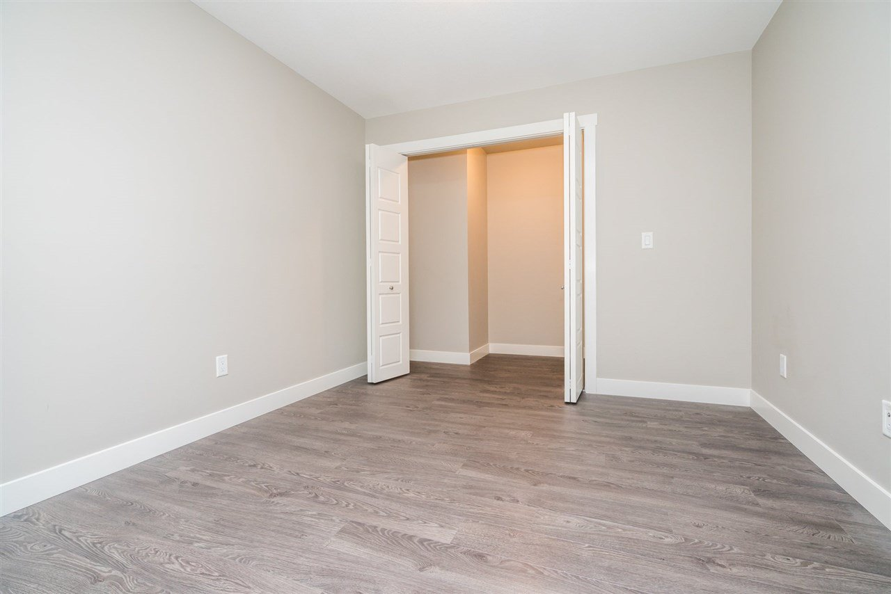 """Photo 12: Photos: 204 19936 56 Avenue in Langley: Langley City Condo for sale in """"BEARING POINTE"""" : MLS®# R2165061"""