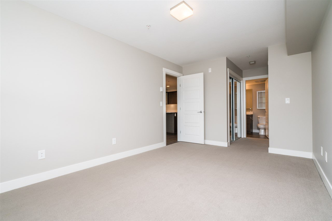 """Photo 10: Photos: 204 19936 56 Avenue in Langley: Langley City Condo for sale in """"BEARING POINTE"""" : MLS®# R2165061"""