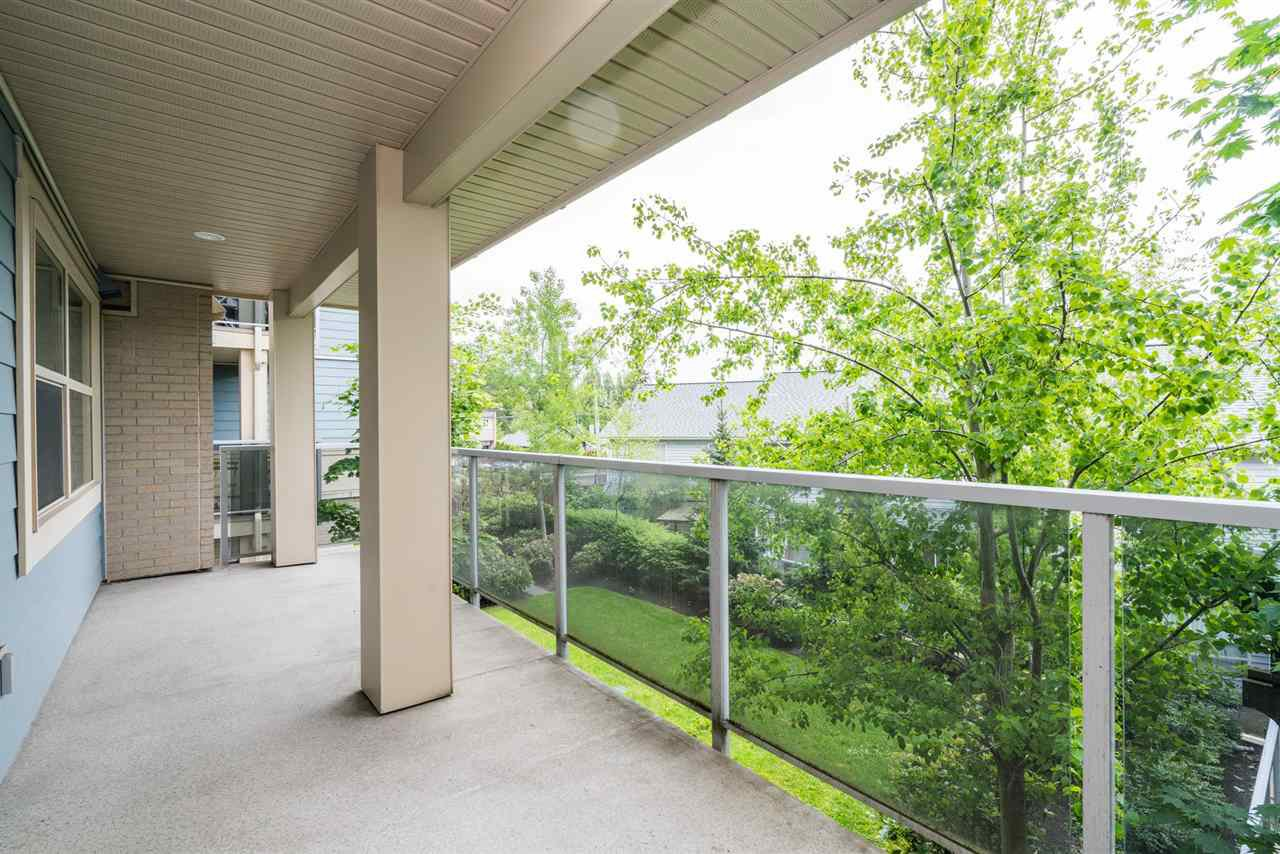 """Photo 15: Photos: 204 19936 56 Avenue in Langley: Langley City Condo for sale in """"BEARING POINTE"""" : MLS®# R2165061"""