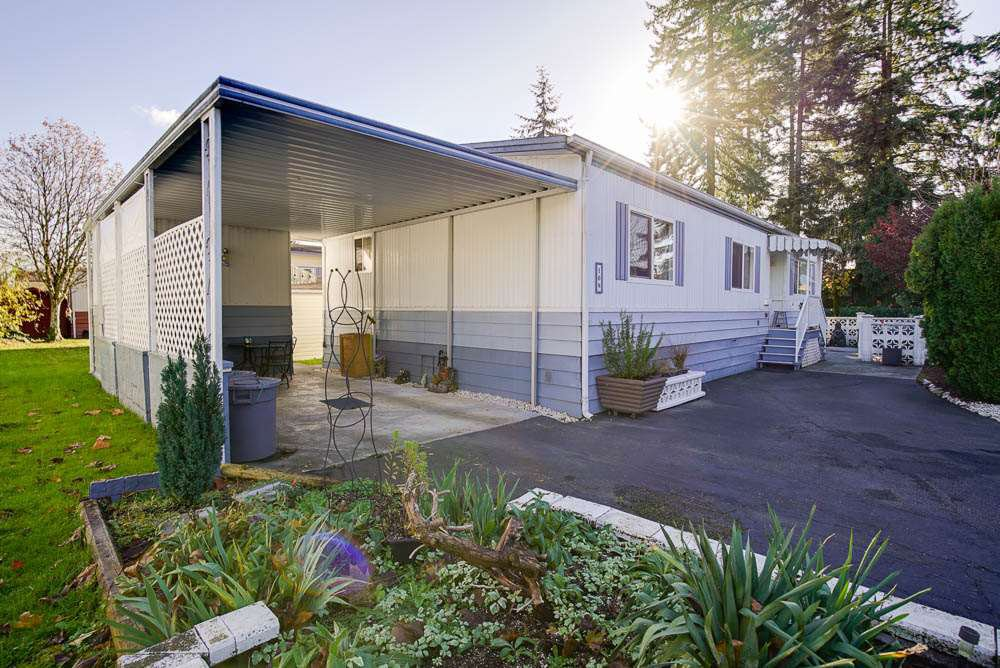 Main Photo: 108 8560 156 STREET in : Fleetwood Tynehead Manufactured Home for sale : MLS®# R2015638
