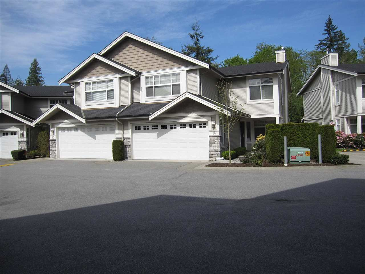 Main Photo: 14 23343 KANAKA WAY in Maple Ridge: Cottonwood MR Townhouse for sale : MLS®# R2164779