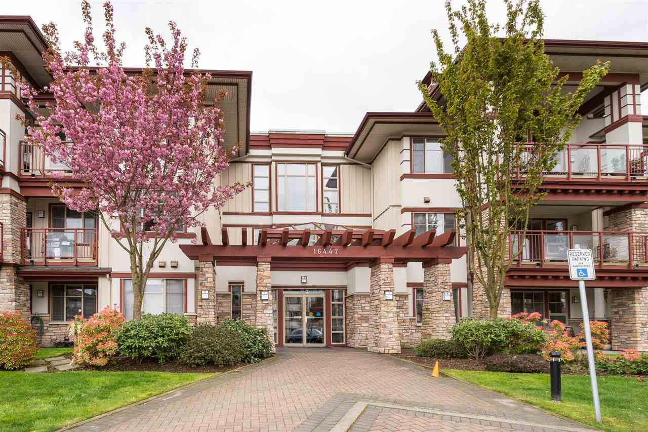 "Main Photo: 202 16447 64 Avenue in Surrey: Cloverdale BC Condo for sale in ""St. Andrew's"" (Cloverdale)  : MLS®# R2184121"
