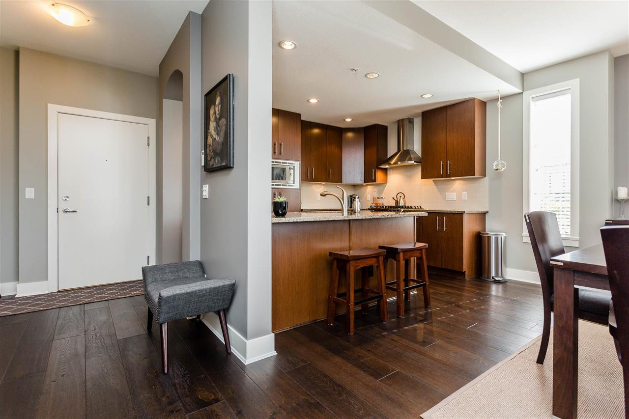 """Photo 4: Photos: 202 16447 64 Avenue in Surrey: Cloverdale BC Condo for sale in """"St. Andrew's"""" (Cloverdale)  : MLS®# R2184121"""
