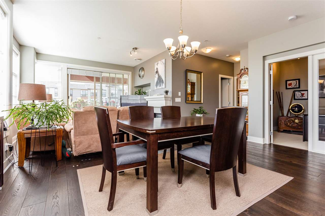 """Photo 7: Photos: 202 16447 64 Avenue in Surrey: Cloverdale BC Condo for sale in """"St. Andrew's"""" (Cloverdale)  : MLS®# R2184121"""